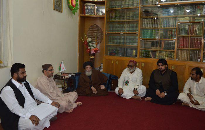 علامہ اصغر علی نقوی ، پیرزادہ نجم الحسن صدیقی اور نجم علی باقر حر کی سرکردگی میں خیر پور میرس سندھ کا وفد قائد ملت جعفریہ سے ملاقات کررہا ہے