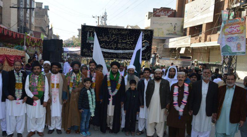 میلادالنبیؐ کے جلوسوں میں شیعہ سنی اتحاد و یکجہتی کا بے مثال مظاہرہ ؛ دہشت گردی کے خاتمہ کیلئے پیغام مصطفی ؐ کو عام کرنا ہوگا، آغا حامد موسوی